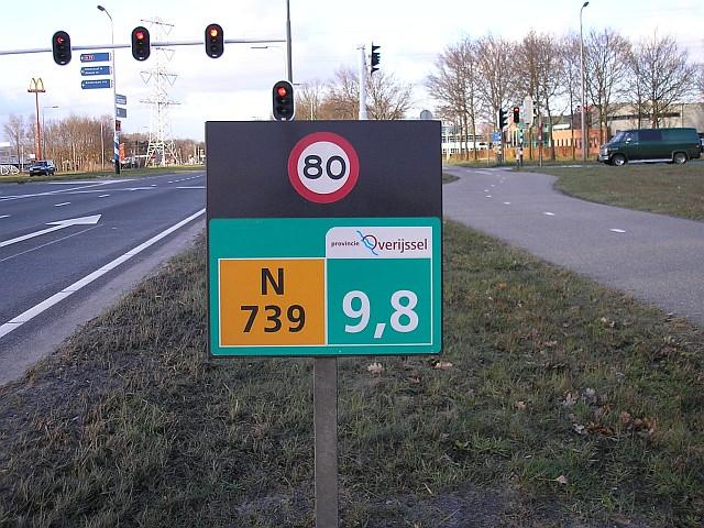http://www.verkeersnet.nl/wp-content/uploads/2009/02/hectometerbord_n739_9k8_80-limiet_provincie_overijssel_hengelo.jpg