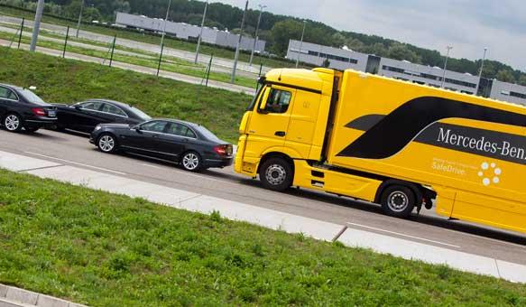 Mercedes-Benz-Safety-Truck-002