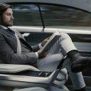 Een passagier in een zelfrijdende auto. Bron: archief Zelfrijdend vervoer