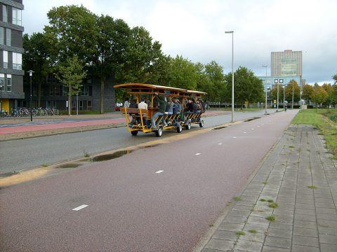 Een bierfiets in Utrecht BEELD: inyucho/Flickr/Wikimedia