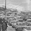 Verkeersdrukte met Pasen in Scheveningen 1965 Beeld NTR/Nationaal Archief
