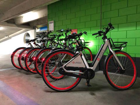 Urbee deelfietsen in Apcoa parkeergarages BEELD APCOA