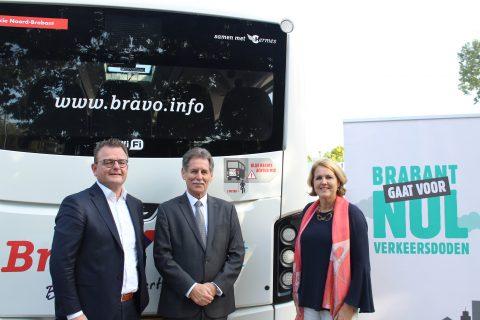 Gedeputeerde Renze Bergsma, directeur Hermes Juul van Hout, wethouder Eindhoven Monique List FOTO Provincie Brabant