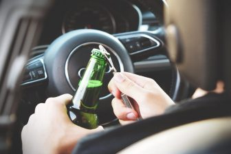 Alcolhol achter het stuur BEELD Pexels