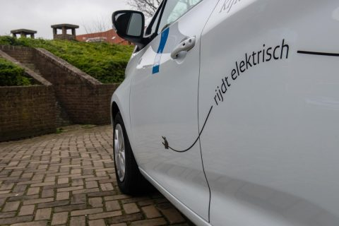 Elektrische auto van Rijkswaterstaat BEELD IenW, Bas Kijzers