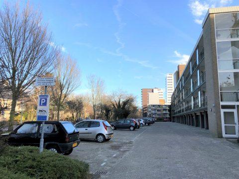 Parkeren op eigen terrein BEELD Spark