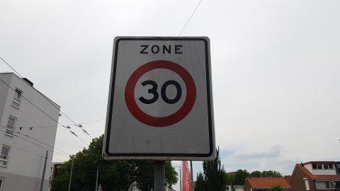 30 kilometer-bord in Arnhem