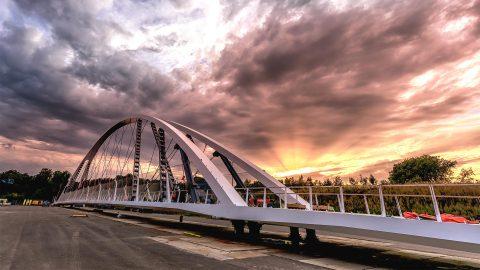 Fietsbrug, boogbrug over A2 bij Eindhoven