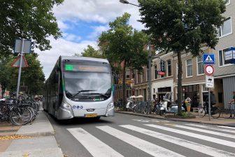 Bus in centrum van Groningen