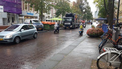 Binnenstad Den Haag, vrachtwagen, logistiek