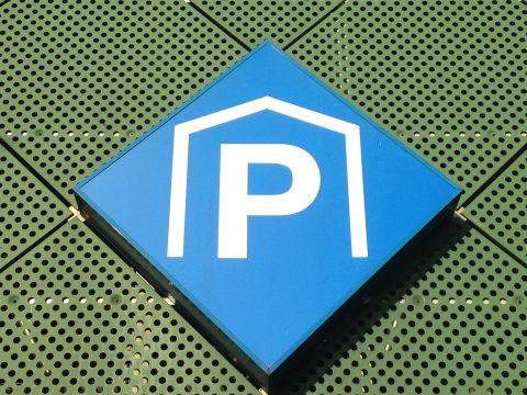 Logo parkeergarage (bron: Flickr/ DennisM2)