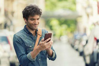 Reiziger, smartphone, app, MaaS