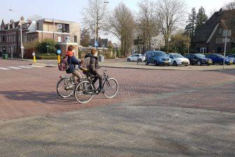 Jongeren op de fiets
