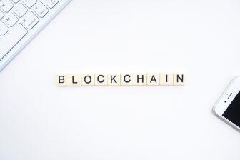 Blockchain (bron: by Launchpresso on Unsplash)