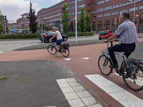 Fietsers op rotonde in Amersfoort