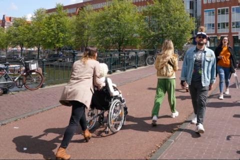 Straatbeeld Amsterdam (bron: Amsterdam)
