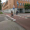 Fietsers op fietspad in Den Bosch
