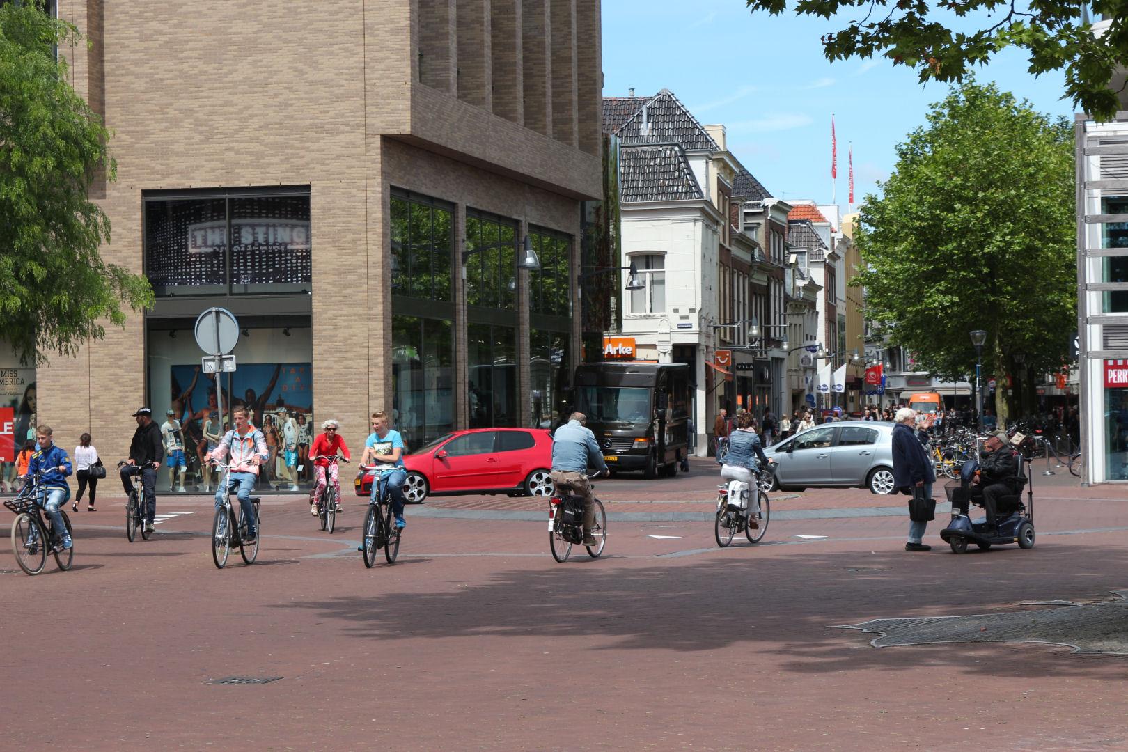 Rotonde Beursplein Leeuwarden (bron: Reyer Boxem)